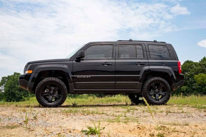 Lifted Jeep Patriot >> Rough Country 2in Jeep Suspension Lift Kit 10 17 Patriot 4wd