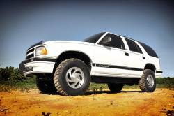 """Rough Country - Rough Country 2.5"""" Suspension Lift Kit for Chevy/GMC 1982-2004 S-10/15 Pickup/Blazer/Jimmy - 24230 - Image 3"""